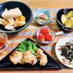 カニカマ/我が家の夕食/さつま芋バター焼き/煮物/唐揚げ/ダイニング/... 🍚我が家の夕食🥢 唐揚げ。 人参・さやい…