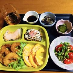 茄子焼き/鮭かま焼き/ピーマンレシピ/イカリングフライ/コリンキー/我が家の夕食/... 🍚我が家の夕食🥢 イカリングフライ🦑 コ…