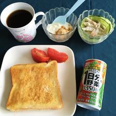 モカコーヒー豆/きな粉ヨーグルト/野菜ジュース/我が家の朝ゴパン 🍞我が家の朝ゴパン🍞 トースト。 ごぼう…