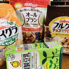 キッコーマン 調製豆乳1L ×6個(その他ソフトドリンク)を使ったクチコミ「🥣息子の朝食🥄 フルグラ朝食は一日おきぐ…」