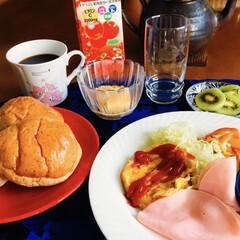 我が家の朝ゴパン/セリア/100均 🥐我が家の朝ゴパン☕️ 十二穀ロールパン…