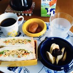 断捨離/サンドイッチ/我が家の朝ゴパン/おうちごはん/100均/最近のコーデ 🥪我が家の朝ゴパン☕️ 卵・ポテトサラダ…