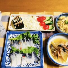 鮭とば/にしん押し寿司/食器/フォロー大歓迎 🍚我が家の夕食🥢 にしん押し寿司。 鮭と…