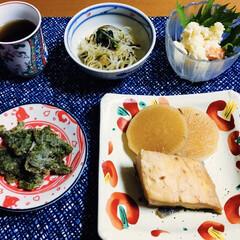 山菜/カンパチの煮付け/令和元年フォト投稿キャンペーン/令和の一枚/フォロー大歓迎/至福のひととき/... 🍚9日の夕食🥢 カンパチ・大根の煮付け。…