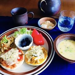 ブラジルコーヒー/きな粉ヨーグルト/コーンスープ/オープンサンド/ランチョンマット/我が家の朝ごぱん/... 🥯我が家の朝ごぱん🥄 トマト・かぼちゃの…