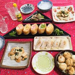 我が家の夕食/マカロン/母の日/おうちごはん 🍚母の日の我が家の夕食🥢 いなり寿司。 …