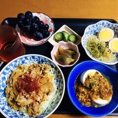 我が家の夕食/ミョウガの酢味噌漬け/春雨珍味和え/ぶどう/麻婆豆腐/豚丼/... 🍚我が家の夕食🥢 豚丼。 餡かけ豆腐。 …