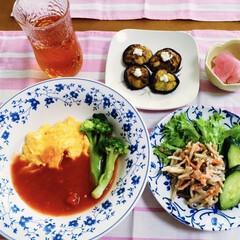 フワフワパン/椎茸肉詰め/ボジョレーヌボー解禁/我が家の夕食/ごぼうサラダ/オムハヤシ/... 🍴我が家の夕食🍴 オムハヤ🥚 ごぼうサラ…