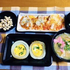 豚汁/玉ねぎレシピ/我が家の夕食 🍚我が家の夕食🥢 豚汁。 玉ねぎ・卵の年…