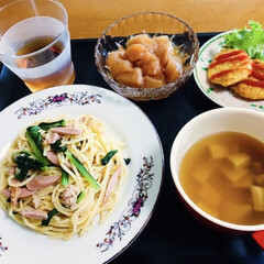 チキンナゲット/我が家の夕食/パスタ/おうちごはん/スタミナ丼/夏に向けて/... 🍝我が家の夕食🥢 小松菜・ソーセージパス…