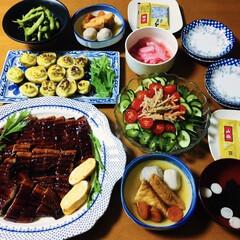 ごぼうサラダ/我が家の夕食/枝豆/ポテトのタルタル焼き/トルネードきゅうり/煮物/... 🍚我が家の夕食🥢 土用の丑の日なのでウナ…