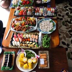 いなり寿司/ピザ/オードブル/刺身/令和の一枚/フォロー大歓迎/... 🍣我が家の夕食🥢 台風が去ったあとに台風…