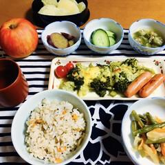 ブロッコリー/炊き込みご飯/ご飯/フォロー大歓迎 🍚我が家の夕食🥢 大根・栗・人参生姜の炊…