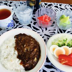 ローリエご飯/アーモンドカレー/ご飯/フォロー大歓迎 🍛我が家の夕食🥄 アーモンドカレー・ロー…