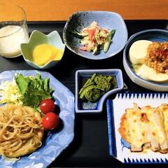長芋/地元食材/すり身バーグ/山菜料理/我が家の夕食/おうちごはん/... 🍚我が家の夕食🥢 すり身バーグ・もやしの…