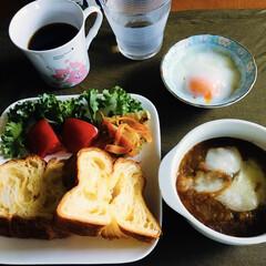 花畑牧場 60φモッツァレラ チーズ 1kg チーズ ピザ トッピング サラダ 料理 クッキング 業務用(チーズ)を使ったクチコミ「🍞我が家の朝食🥄 トースト🍞 カレーチー…」
