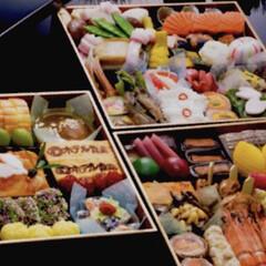 お節料理/あけおめ/フォロー大歓迎/冬/おうち/年末年始/... 今日のおせち✨ 購入したおせちです。 人…