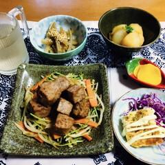 ランチョンマット/我が家の夕食/サイコロステーキ/おうちごはん 🍚我が家の夕食🥢 サイコロステーキ。 お…