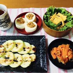 初めての食材/人参シリシリ/夏野菜/我が家の夕食/メロンの子/摘果メロン/... 🍚我が家の夕食🥢 摘果メロンのマヨ焼き🍈…