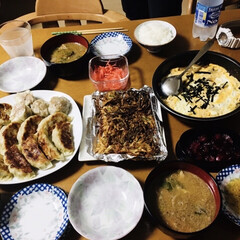 手抜き親子丼/大根フライ/点心セット/マグロあら汁/我が家の夕食 🍚我が家の夕食🥢 点心セット。 マグロあ…(1枚目)