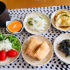 揚げ餃子/いなり寿司/フォロー大歓迎/LIMIAファンクラブ/LIMIAごはんクラブ/おうちごはんクラブ/... 🍚我が家の夕食🥢 いなり寿司。 茄子炒め…