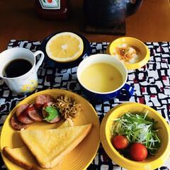 ハインツ トマトケチャップ逆さボトル460g ハインツ日本(その他キッチン、日用品、文具)を使ったクチコミ「🍞我が家の朝ゴパン☕️ トースト。 魚肉…」
