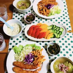 手作りタルタルソース/夏野菜/黄色いトマト/猫派/犬派/フォロー大歓迎/... 🍚昨夜の夕食🥢 海老フライ🍤 マカロニケ…