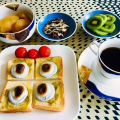初りんご/トースト/りんご煮/マシュマロ/パン/フォロー大歓迎/... 🍞 我が家の朝食☕️ 黒ごまマシュマロき…
