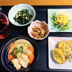 食器/我が家の夕食/キッチン雑貨/おうちごはん/簡単 🍚我が家の夕食🥢 大根・人参・鶏肉甘辛煮…
