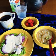 野菜スープ/ブラジルコーヒー/いちご/クリームシチュー/我が家の朝ゴパン/オープンサンド/... 🍞我が家の朝ゴパン☕️ オープンサンド(…