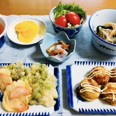 食事情/たこ焼き/天ぷら 🍚我が家の夕食🥢 枝豆・人参天ぷら。 た…