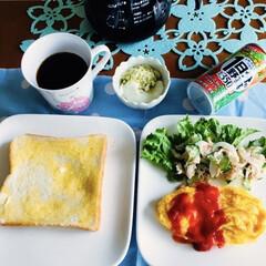 きな粉ヨーグルト/我が家の朝ゴパン/セリア/100均/リビングあるある 🍞我が家の朝食☕️ トースト。 オムレツ…
