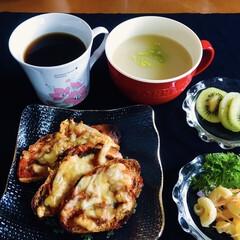 キリマンジャロコーヒー/セロリクリームスープ/キウイ/バケットピザ/我が家の朝ゴパン/ルマコーニ/... 🥖我が家の朝ゴパン☕️ バケットピザ🍕 …