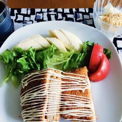 食事情/100均/フォロー大歓迎 🍞我が家の朝ゴパン🍴 メンチカツパン。 …
