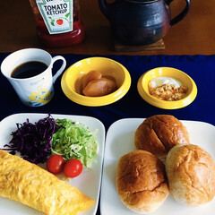 津軽金山焼/ヨーロピアンコーヒー/特別休暇中/きな粉ヨーグルト/十二穀ロール/我が家の朝ゴパン/... 🥐我が家の朝ゴパン☕️ 十二穀ロール。 …