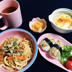 いなり寿司用油揚げ/長芋グラタン/焼きうどん/我が家の夕食/ピンク 🍚我が家の夕食🥢 焼きうどん。 長芋グラ…