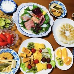 卵焼き/煮物/餃子/刺身盛り合わせ/我が家の夕食/おうちごはん/... 🍚我が家の夕食🥢 刺身盛り合わせ。 餃子…