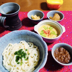 ランチョンマット/食器/茶碗蒸し/カレーつけ麺/我が家の夕食/おうちごはん/... 🍚我が家の夕食🥢 カレーつけ麺。 野菜卵…