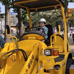 子育て/お出かけワンショット/はじめてフォト投稿/おでかけワンショット 岡崎公園でのイベントにて工事車両に乗せて…
