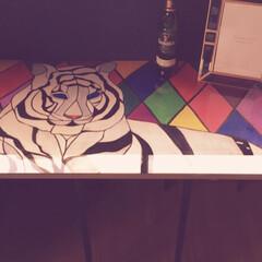 アクリル絵の具でペイント/アクリル絵の具/ワークデスク/テーブル/虎/DIY/... 机作った。 今ある机が作業台としては小さ…(4枚目)