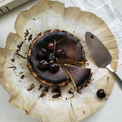 ケーキ/チーズケーキ/バスクチーズケーキ/お菓子/スイーツ/焼き菓子/... *Gâteau au fromaged…