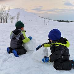 雪国/3きょうだい/男の子/育児/2018/フォロー大歓迎/... 北海道に住み始めて7年目。近くの公園でス…