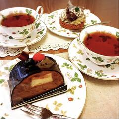 Wedgwood ワイルド・ストロベリー ティーカップ&ソーサー ピオニー | ウェッジウッド(マグカップ)を使ったクチコミ「ケーキを買ってきておうちカフェ🍰☕️エレ…」