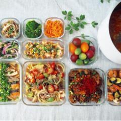 instagram→kayo_daily/栄養バランス/時短家事/フード/おうちごはん/キッチン 今週の作り置き 暑さ対策で冷凍庫行きも多…