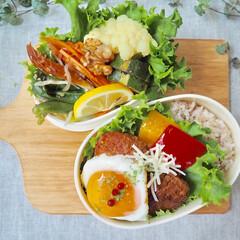 栄養バランス/彩り/女子高生のお弁当/お弁当/おうちごはん/フード 娘と自分のお弁当づくり (1枚目)