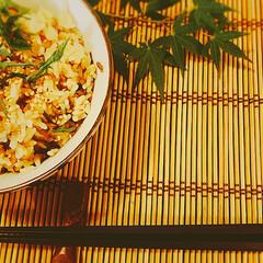 豆苗と豚肉炒め/スパサラ/小松菜の和え物/今夜のメニュー/炊飯器料理/食卓を囲む/... 簡単炊き込みご飯🍚  【お米 2合】 シ…