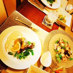 楽しい夕食/お気に入りのガラス皿/夕食タイム/おうちごはん/暮らし/うちの定番料理 なんにもしない一日でしたが 穏やかに過ご…