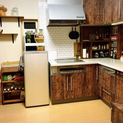 キッチン収納扉/ソックモンキー/壁紙シール/キッチン壁変更/棚/キッチン/... お久しぶりでーす🤗 元気ですよーーーーッ…(4枚目)