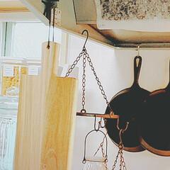 片付け方/お手入れ/見せる収納/スキレット/フライパン収納/キッチン収納/... 🍳🍳🍳 ワタシのフライパン収納 🍳🍳🍳 …