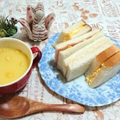 サンドイッチ/フォロー大歓迎/おうちごはん/ランチ/節約 今朝、パンを食べそびれたので お昼はサン…